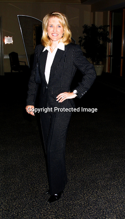 ©2002 KATHY HUTCHINS / HUTCHINS PHOTO.SANEX WTA CHARITY EVENT.SANTA MONICA, CA. 11/4/02.TRACY AUSTIN