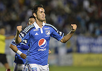 TUNJA -COLOMBIA, 04-10-2014. Gabriel Diaz jugador de Millonarios celebra un gol anotado a Patriotas FC durante partido por la fecha 13 de la Liga Postobón II 2014 realizado en el estadio La Independencia de Tunja./ Gabriel Diaz player of Millonarios celebrates a goal against Patriotas FC during match for the 13th date of Postobon  League II 2014 played at  La Independencia stadium in Tunja. Photo: VizzorImage/ Gabriel Aponte / Staff