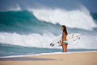 Off The Wall-Backdoor, North Shore of Oahu, Hawaii. Photo: joliphotos.com