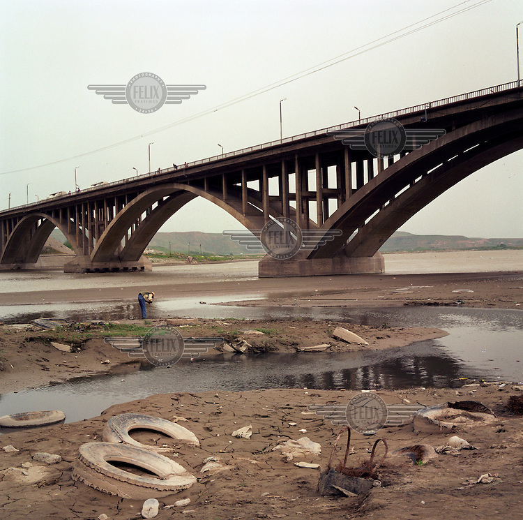 A bridge over the Euphrates River, near Cizre.