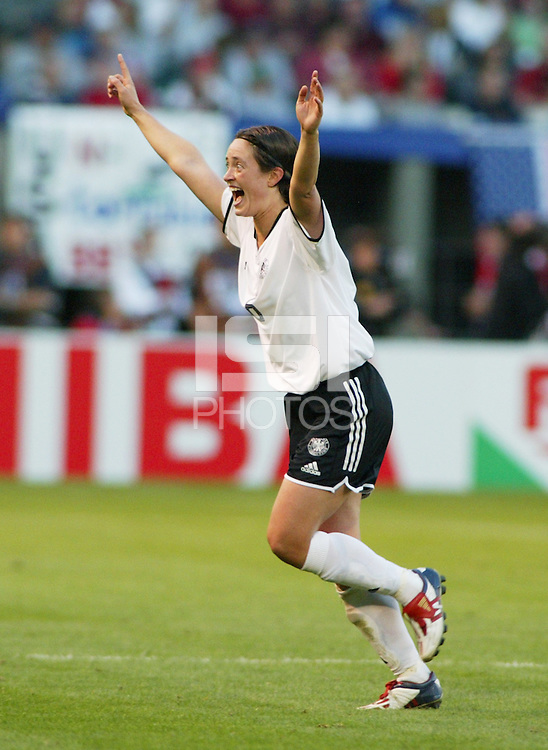 Renate Lingor celebrates after defeating the USA 3-0, in the semi-finals of the 2003 WWC.