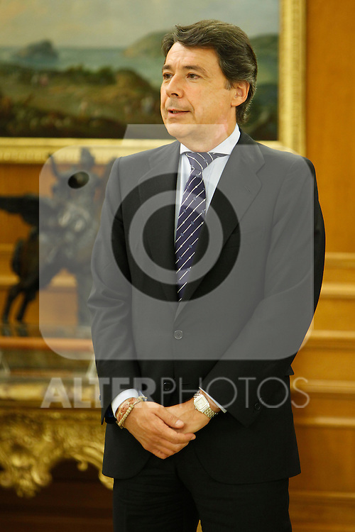 King Juan Carlos of Spain and Prince Felipe of Spain recive in audience to COI representation for candidature of Madrid 2020 Olympic Games in a Zarzuela Place in Madrid. In the pic: Ignacio Gomez.September 10, 2013. (ALTERPHOTOS/Caro Marin)