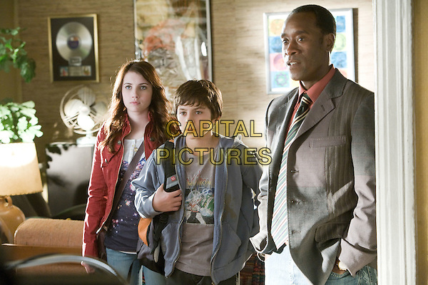 EMMA ROBERTS, JAKE T. AUSTIN & DON CHEADLE.in Hotel for Dogs.*Filmstill - Editorial Use Only*.CAP/FB.Supplied by Capital Pictures.