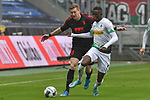 06.10.2019, Borussia-Park - Stadion, Moenchengladbach, GER, DFL, 1. BL, Borussia Moenchengladbach vs. FC Augsburg, DFL regulations prohibit any use of photographs as image sequences and/or quasi-video<br /> <br /> im Bild v. li. im Zweikampf Andre Hahn (#28, FC Augsburg) Denis Zakaria (#8, Borussia Moenchengladbach) <br /> <br /> Foto © nordphoto/Mauelshagen