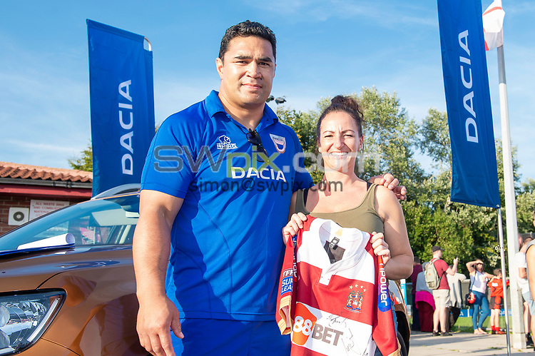 Picture by Allan McKenzie/SWpix.com - 25/07/2018 - Rugby League - Dacia Flair Play - New Spring Lions & Ince Rose Bridge RLFC, Ince-in-Makerfield, England - Award winners with Kylie Leuluai.