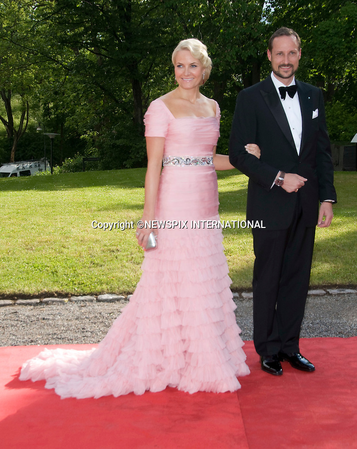 """CROWN PRINCE HAAKON AND CROWN PRINCESS METTE-MARIT.PRINCESS VICTORIA_PRE-WEDDING DINNER.hosted by the Swedish Government, Eric Ericsonhallen, Stockholm_18/062010.Mandatory Credit Photo: ©DIAS-NEWSPIX INTERNATIONAL..**ALL FEES PAYABLE TO: """"NEWSPIX INTERNATIONAL""""**..IMMEDIATE CONFIRMATION OF USAGE REQUIRED:.Newspix International, 31 Chinnery Hill, Bishop's Stortford, ENGLAND CM23 3PS.Tel:+441279 324672  ; Fax: +441279656877.Mobile:  07775681153.e-mail: info@newspixinternational.co.uk"""