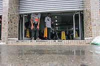 SAO PAULO,SP, 29.11.2015 - FUVEST-SP - Movimentação dos candidatos a Fuvest, na Uninove Santo Amaro, zona sul de São Paulo, neste domingo, (29). (Foto: Douglas Pingituro/Brazil Photo Press)