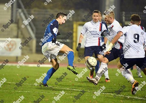 2016-11-26 / Voetbal / Seizoen 2016-2017 / FC Turnhout - Betekom / Steven Dillien (Turnhout)<br /> <br /> ,Foto: Mpics.be