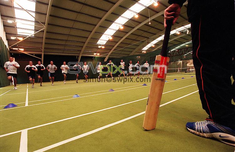 Pix: Ben Duffy/SWpix.com. Yorkshire Cricket Club Pre-Season training, David Lloyds, Leeds 04/03/2002...COPYWRIGHT PICTURE>>SIMON WILKINSON>>01943 436649>>..Yorkshire Cricket Club get fit as Pre-season training gets under way in Leeds