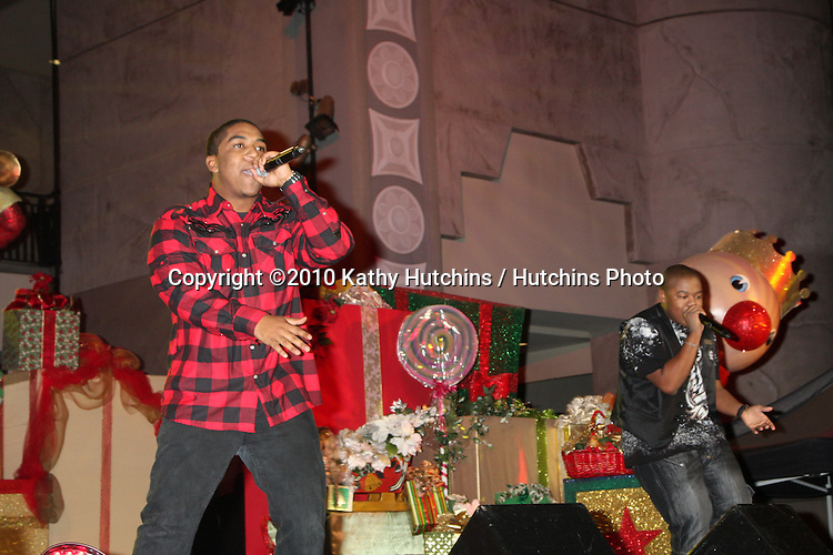 LOS ANGELES - NOV 20:  Chrisopher Massey (Red Shirt), Kyle Massey (Black shirt) at the Hollywood & Highland Tree Lighting Concert 2010  at Hollywood & Highland Center Cour on November 20, 2010 in Los Angeles, CA