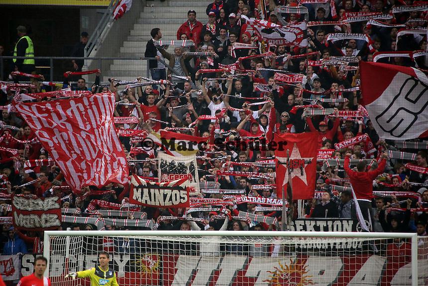 Mainzer Fans feiern- 1. FSV Mainz 05 vs. TSG 1899 Hoffenheim, Coface Arena, 8. Spieltag