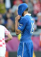FUSSBALL  EUROPAMEISTERSCHAFT 2012   VORRUNDE Italien - Kroatien                    14.06.2012 Leonardo Bonucci  (Italien) nach dem 1:1 enttaeuscht