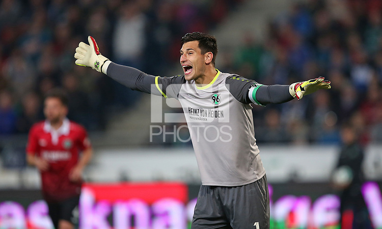 15.09.2017, Football 1. Bundesliga 2017/2018, 4.  match day, Hannover 96 - Hamburger SV, in HDI-Arena Hannover. goalkeeper Philipp Tschauner (Hannover)  *** Local Caption *** &copy; pixathlon<br /> <br /> +++ NED + SUI out !!! +++<br /> Contact: +49-40-22 63 02 60 , info@pixathlon.de
