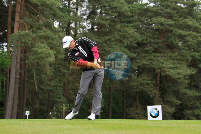 Michael Hoey (NIR) tees of on the 8th tee during Day 3 of the BMW PGA Championship Championship at, Wentworth Club, Surrey, England, 28th May 2011. (Photo Eoin Clarke/Golffile 2011)