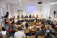 Pressekonferenz der Menschenrechtsorganisation &quot;Terre des Femmes&quot; am Donnerstag den 23. August 2018 in Berlin, anlaesslich ihrer Petition &quot;Den Kopf frei haben!&quot;, die sich fuer ein Verbot des sogenannten &quot;Kinderkopftuch&quot; fuer Maedchen unter 18 Jahren einsetzt. Fuer Terre des Femmes ist das Kinderkopftuch der Missbrauch von Kindern fuer eine Religion und eine Kinderrechtsverletzung.<br /> Ziel der Unterschriftensammlung fuer die Petition sind 100.000 Unterschriften.<br /> Auf dem Podium vlnr.: Dr. Necla Kelek, Mitglied im Vorstand von Terre des Femmes; Elham Manea, Politologin und Autorin; Ali Ertan Toprak, Praesident de Bundesarbeitsgemeinschaft der Immigrantenverbaende; Nina Coenen, Terre des Femmes; Prof. Dr. Susanne Schroeter, Direktorin des Frankfurter Forschungszentrum Globaler Islam; Seyran Ates, Rechtsanwaeltin und Imamin an der liberalen Ibn-Rushd-Goethe-Moschee in Berlin und Dr. Sigrid Peter, Vizepraesidentin des Bundesverbands des Kinder- und Jugendaerzte.<br /> 23.8.2018, Berlin<br /> Copyright: Christian-Ditsch.de<br /> [Inhaltsveraendernde Manipulation des Fotos nur nach ausdruecklicher Genehmigung des Fotografen. Vereinbarungen ueber Abtretung von Persoenlichkeitsrechten/Model Release der abgebildeten Person/Personen liegen nicht vor. NO MODEL RELEASE! Nur fuer Redaktionelle Zwecke. Don't publish without copyright Christian-Ditsch.de, Veroeffentlichung nur mit Fotografennennung, sowie gegen Honorar, MwSt. und Beleg. Konto: I N G - D i B a, IBAN DE58500105175400192269, BIC INGDDEFFXXX, Kontakt: post@christian-ditsch.de<br /> Bei der Bearbeitung der Dateiinformationen darf die Urheberkennzeichnung in den EXIF- und  IPTC-Daten nicht entfernt werden, diese sind in digitalen Medien nach &sect;95c UrhG rechtlich geschuetzt. Der Urhebervermerk wird gemaess &sect;13 UrhG verlangt.]