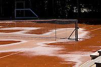 11-08-10, Hillegom, Tennis,  NJK 12 tm 18 jaar, Baan onder water