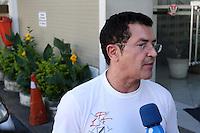 SÃO PAULO, SP, 08/03/2012, ROUBO BETO BARBOSA.<br />  O cantor Beto Barbosa teve a casa roubada na manhã de hoje, o boletim de ocorrencia foi lavrado no 27º DP do Campo Belo.<br />  Segundo o cantor, duas mulheres invadiram sua casa, subtrairam uma quantia em dinheiro, ele alega ainda que seu veiculo também foi subtraido.<br /> <br />  Luiz Guarnieri/ Brazil Photo Press