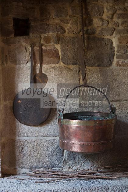 Europe/France/Normandie/Basse-Normandie/50/Villedieu-les-Poêles: Musée de la Poeslerie   // France, Manche, Cotentin,Villedieu les Poeles:  Museum of Copper Pots, Pans,  Musée de la Poeslerie