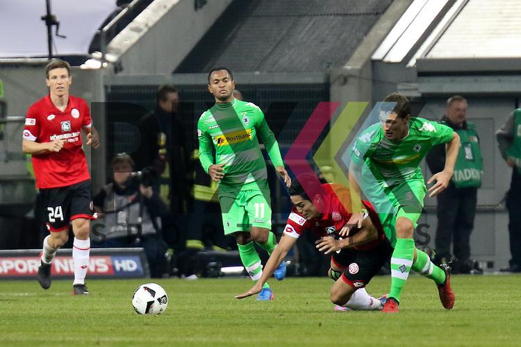 Gladbachs Andreas Christensen (Nr.03) im Zweikampf erobert den Ball beim Telecom Cup 2017 Borussia Moenchengladbach - FSV Mainz 05.<br /> <br /> Foto &copy; PIX-Sportfotos *** Foto ist honorarpflichtig! *** Auf Anfrage in hoeherer Qualitaet/Aufloesung. Belegexemplar erbeten. Veroeffentlichung ausschliesslich fuer journalistisch-publizistische Zwecke. For editorial use only.