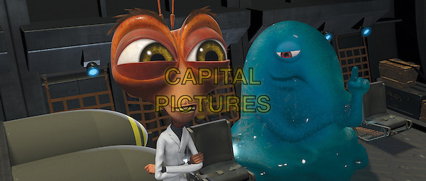 HUGH LAURIE (Dr. Cockroach Ph.D.) & SETH ROGEN (B.O.B.).in Monsters vs. Aliens.*Filmstill - Editorial Use Only*.CAP/FB.Supplied by Capital Pictures.