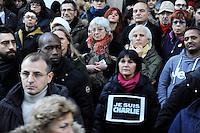 Milano: manifestazione in Piazza del Duomo per ricordare le vittime della strage di Charlie Hebdo. Gen 10, 2015.<br /> Milan: demonstration to commemorate the victims of the massacre of Charlie Hebdo. January 10, 2015