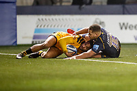 25th January 2020; Sixways Stadium, Worcester, Worcestershire, England; Premiership Rugby, Worcester Warriors versus Wasps; Zach Kibirige of Wasps gets back to defend just before Ollie Lawrence of Worcester Warriors