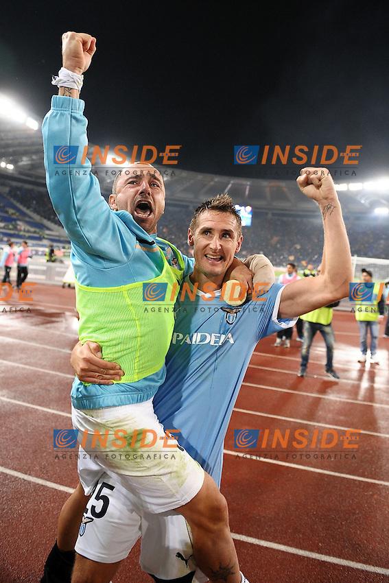 """Esultanza Mirolav KLOSE e Cristian BROCCHI a fine partita.Celebration.Roma 16/10/2011 Stadio """"Olimpico"""".Football Calcio Serie A 2011/2012 .Lazio Vs Roma.Foto Insidefoto Andrea Staccioli"""