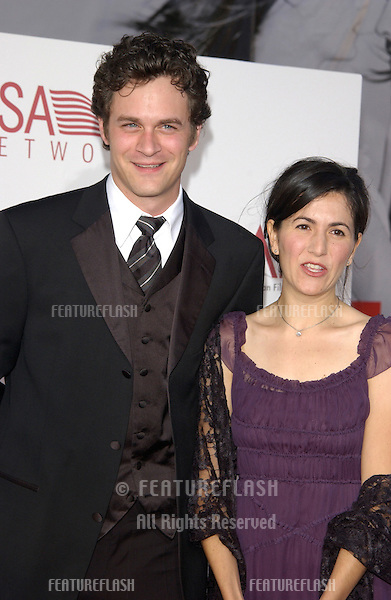 Actor TOM EVERETT SCOTT & girlfriend JENNI at the 30th Annual American Film Institute Award Gala in Hollywood. .12JUN2002.  © Paul Smith / Featureflash