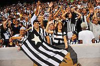 RIO DE JANEIRO, RJ, 22 DE JULHO 2012 - CAMPEONATO BRASILEIRO - BOTAFOGO X GRÊMIO - Torcida prepara a festa para Seedorf, antes da partida contra o Grêmio, pela 11a rodada do campeonato Brasileiro, no Stadium Rio (Engenhao), na cidade do Rio de Janeiro, neste domingo, 22. FOTO BRUNO TURANO  BRAZIL PHOTO PRESS