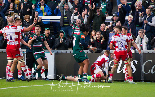 4th November 2017, Welford Road, Leicester, England; Anglo-Welsh Cup, Leicester Tigers versus Gloucester;  Charlie Thacker scores the first try for Leicester Tigers
