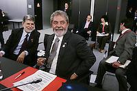 Brazilian President Luiz Inacio Lula da Silva (C) and Minister Celso Amorim reacts  during  the EU/ Brazil summit at the Atlantic Pavilion in Lisbon, 04 July 2007.