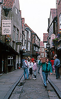 York: The Shambles.  Street scene. Photo '87.