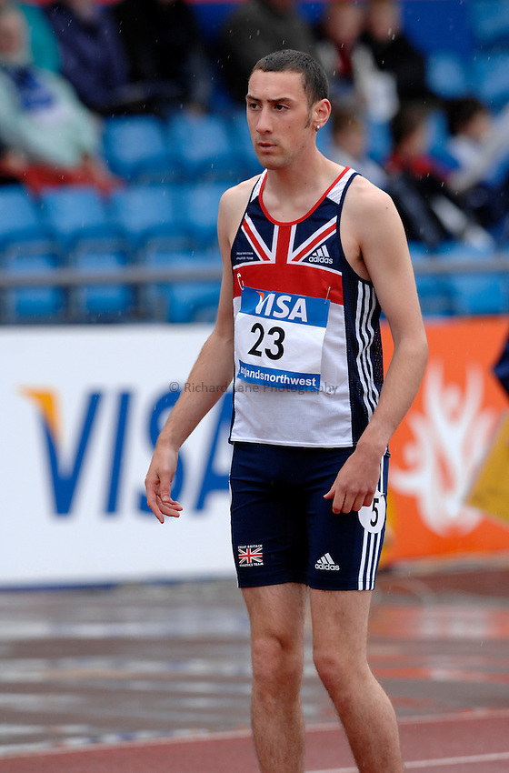 Photo: Richard Lane..VISA Paralympic World Cup 2007. Athletics. 13/05/2007. .Lee Hunter of Great Britain prepares for the men's T36 200m.