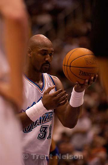 Karl Malone. Utah Jazz vs. New York Knicks Friday night at the Delta Center.; 04.04.2003, 9:16:19 PM<br />