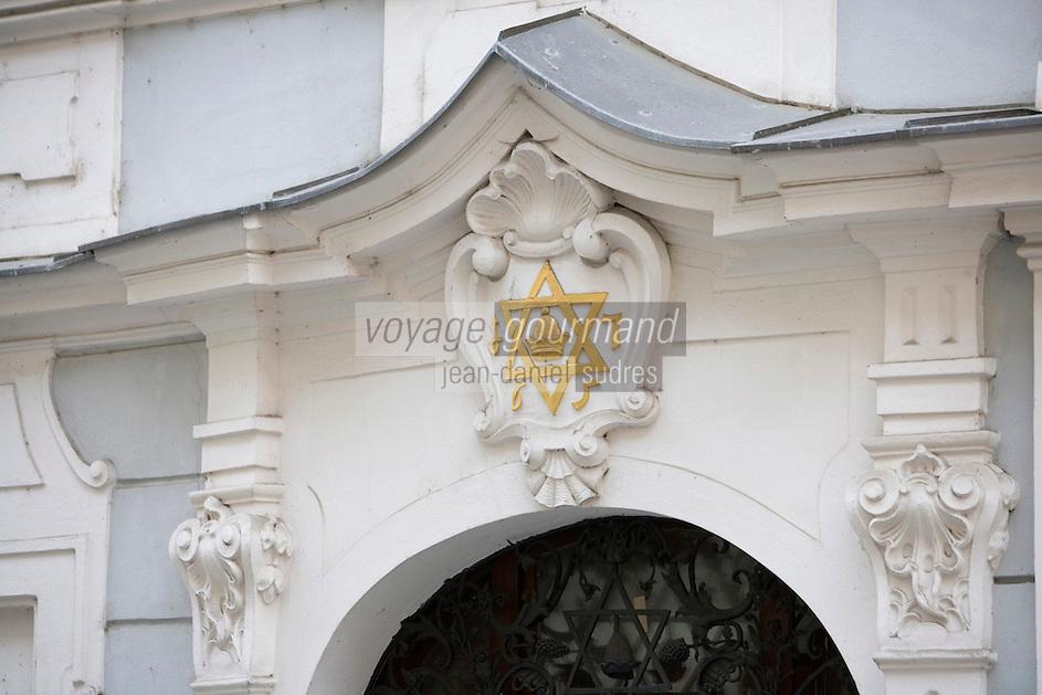 Europe/République Tchèque/Prague:Quartier Juif - Détail du portail de la synagogue