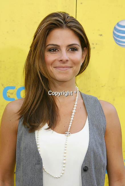 "HOLLYWOOD, CA. - September 08: Maria Menounos arrives at the ""Get Schooled"" Los Angeles Conference and Premiere at the Paramount Studios Lot on September 8, 2009 in Los Angeles, California."