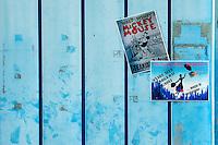 Il carnevale di Gallipoli è tra i più noti della Puglia. La sua tradizione è antichissima ed è documentata, oltre che in atti e documenti settecenteschi, anche da radici folcloristiche che affondano le origini in epoca medioevale, tramandate fino ad oggi dallo spirito popolare. La prima edizione (per come la conosciamo) risale al 1941; nel 2014 sarà l'edizione numero 73.<br /> La manifestazione carnascialesca è organizzata dall' Associazione Fabbrica del Carnevale, nata nel febbraio 2013 con la finalità diorganizzare, promuovere e riportare in auge il Carnevale della Cittàdi Gallipoli. L'Associazione raccoglie al suo interno i maestri cartapestai Gallipolini e tanti giovani artisti, che vogliono valorizzare il Carnevale della città bella. Presidente dell'Associazione è Stefano Coppola.<br /> La manifestazione ha inizio il 17 gennaio, giorno di sant'Antonio Abate (te lu focu = del fuoco), con la Grande Festa del Fuoco, quando si accende con la tradizionale focara, un grande falò di rami d'ulivo. L'ultima domenica di carnevale e il martedì grasso lungo corso Roma, nel centro cittadino, si svolge la sfilata dei carri allegorici in cartapesta e dei gruppi mascherati corso Roma davanti a migliaia di spettatori provenienti da tutta la provincia di Lecce e da città pugliesi. Il tema dell'edizione di quest'anno è un omaggio a Walter Elias Disney.<br /> <br /> The Carnival of Gallipoli is among the best known of Puglia. Its tradition is very old and is documented , as well as records and documents in the eighteenth century , as well as folkloric roots that sink their roots in medieval times , handed down today by the popular spirit . The first edition dates back to 1941 and in 2014 will be the edition number 73 .<br /> The carnival is organized by the Association of Carnival Factory , founded in February 2013 with the objective to organize, promote and revive the Carnival of the city of Gallipoli. The Association collects inside the masters cartapestai Gallipoli and many you