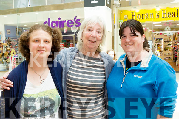 Keeping Good<br /> --------------------<br /> Animal Help Net Kerry had a stand in the Manor West shopping centre, Tralee last Saturday as part of the Exhibition on Wellness, L-R Annika Hasenkamp, Jean Campbell and Natanie O'Connell.