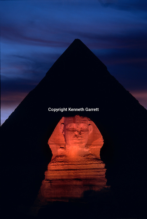 Sound and light show,Egypt, 4th dynasty, archaeology, Giza, Giza Plateau, Khafre, lion, monument, Old Kingdom, pyramid, Pyramids at Giza, scenic, Sphinx, Sphinx and Khafre Pyramid, structure, night