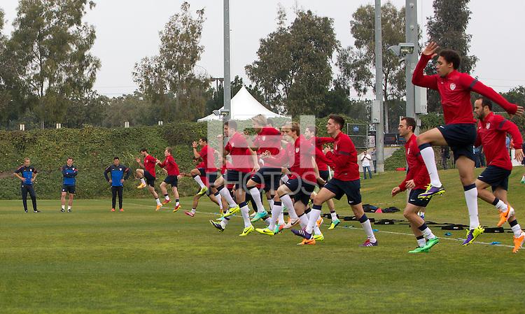 CARSON, California - Thursday, January 9, 2014: US Men's National Team during Winter training camp at StubHub Center.