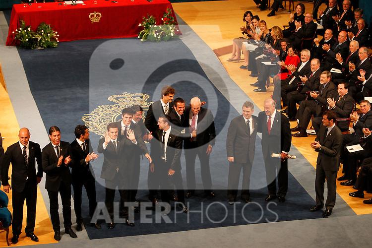 OVIEDO, Spain (22/10/2010).-  Campoamor Princess Letizia and Prince Felipe attended the Prince of Asturias awards 2010 ceremony at the 'Campoamor' Theater in Oviedo, Spain. Spain's Soccer National team Sports Award...Photo: POOL / Chema Clares  / ALFAQUI