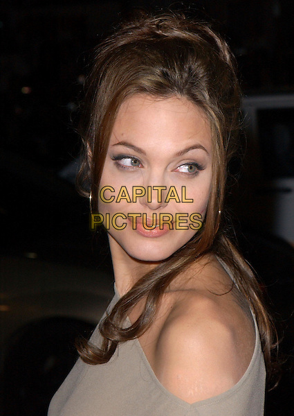 ANGELINA JOLIE.World Premiere of Taking Lives held at The Grauman's Chinese Theatre in Hollywood, California .16 March 2004.*UK Sales Only*.portrait, headshot.www.capitalpictures.com.sales@capitalpictures.com.©Capital Pictures.