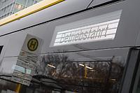 Vorstellung des ersten Serien-E-Bus in Berlin am Freitag den 4. Januar 2019 durch die BVG-Vorstandsvorsitzende und Vorstand Betrieb, Dr. Sigrid Nikutta, sowie BVG-Buschef Torsten Mareck und Regine Guenther, Senatorin fuer Umwelt, Verkehr und Klimaschutz.<br /> Im Bild: Der eCitaro von Mercedes Benz an der Haltestelle vor dem Berliner Ostbahnhof.<br /> 4.1.2019, Berlin<br /> Copyright: Christian-Ditsch.de<br /> [Inhaltsveraendernde Manipulation des Fotos nur nach ausdruecklicher Genehmigung des Fotografen. Vereinbarungen ueber Abtretung von Persoenlichkeitsrechten/Model Release der abgebildeten Person/Personen liegen nicht vor. NO MODEL RELEASE! Nur fuer Redaktionelle Zwecke. Don't publish without copyright Christian-Ditsch.de, Veroeffentlichung nur mit Fotografennennung, sowie gegen Honorar, MwSt. und Beleg. Konto: I N G - D i B a, IBAN DE58500105175400192269, BIC INGDDEFFXXX, Kontakt: post@christian-ditsch.de<br /> Bei der Bearbeitung der Dateiinformationen darf die Urheberkennzeichnung in den EXIF- und  IPTC-Daten nicht entfernt werden, diese sind in digitalen Medien nach &sect;95c UrhG rechtlich geschuetzt. Der Urhebervermerk wird gemaess &sect;13 UrhG verlangt.]
