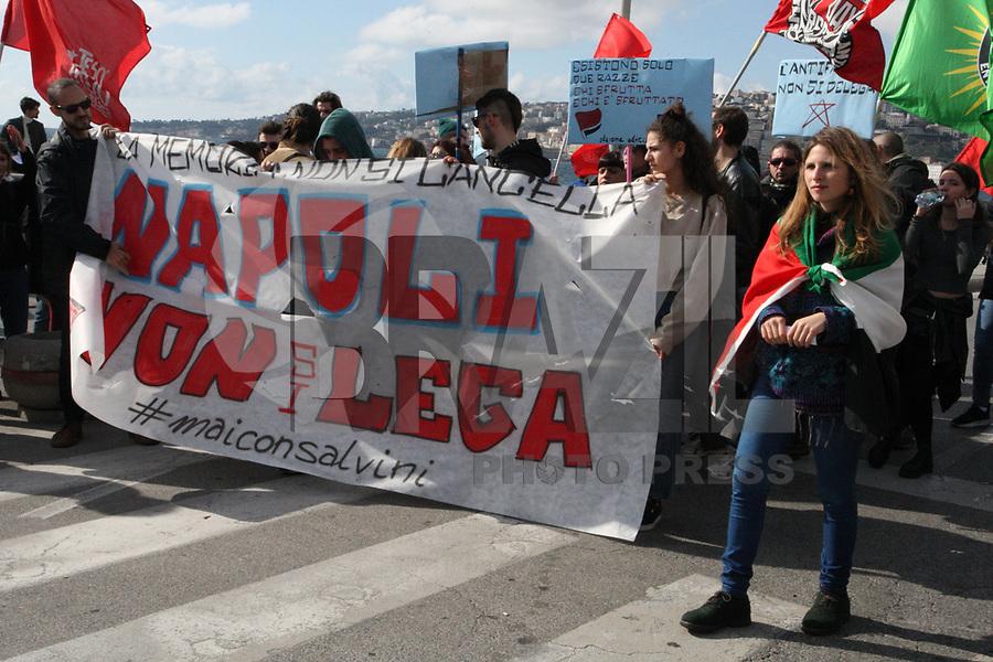 NAPOLI, ITALIA, 10.02.2019 - PROTESTO-ITALIA - Manifestantes durante ato contra o fascismo em Napoli na Italia neste domingo, 10. (Foto: Salvatore Esposito / Brazil Photo Press)