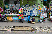 HAMBURGO, ALEMANHA, 08.07.2017 - G20-PROTESTOS - Depedrações podem ser vistas pelas ruas, comércios e bancos  em Hamburgo na Alemanha neste sábado, 08. (Foto: Jan Sauerwein/Brazil Photo Press)