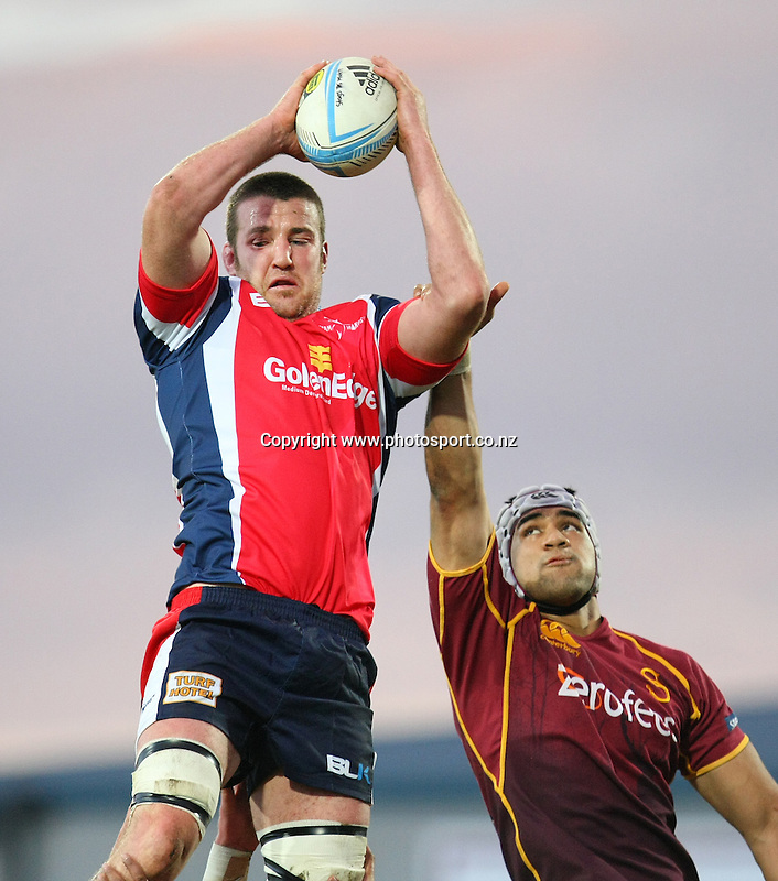 Tasman's Alex Ainley gets lineout ball in the ITM cup rugby championship match, Southland v Tasman, Rugby Park Stadium, Invercargill, New Zealand, Saturday, August 17, 2013. Photo: Dianne Manson / photosport.co.nz