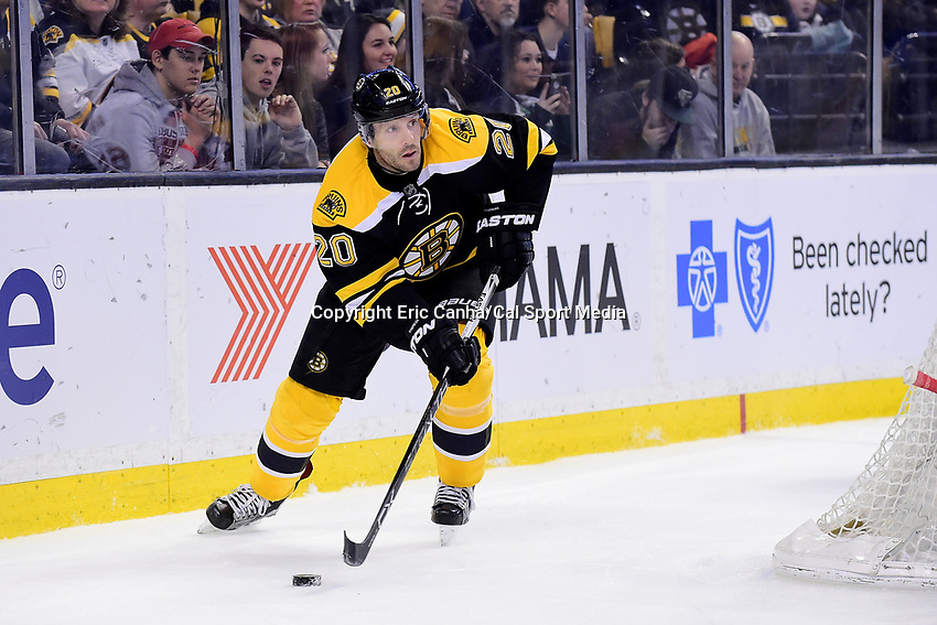 Saturday, April 9, 2016: Boston Bruins right wing Lee Stempniak (20) in game action during the National Hockey League game between the Ottawa Senators and the Boston Bruins held at TD Garden, in Boston, Massachusetts. Ottawa defeats Boston 6-1.  Eric Canha/CSM