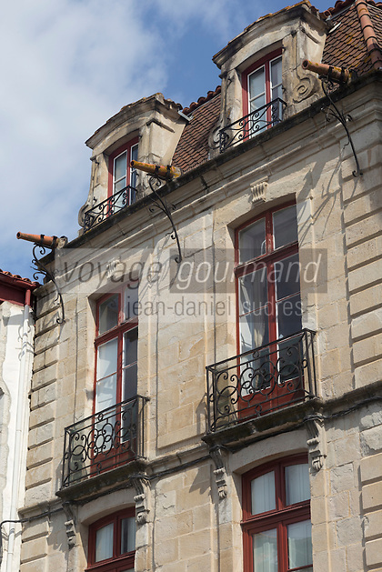 France, Pyrénées-Atlantiques (64), Pays-Basque, Saint-Jean-de-Luz: rue Mazarin - Maison des  trois canons // France, Pyrenees Atlantiques, Basque Country, Saint Jean de Luz Maison des  trois canons , house, Mazarin street