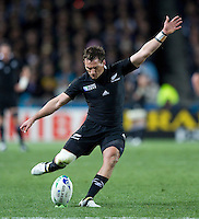 Rugby World Cup Auckland  New Zealand v Argentina Quarter Final 4 - 09/10/2011.Aaron Cruden  (New Zealand)   .Photo Frey Fotosports International/AMN Images
