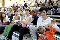 Roma, 4 Ottobre 2014<br /> Scalinata di Piazza di Spagna.<br /> Flash mob con allattamento al seno collettivo per promuovere l'allattamento e celebrare la SAM.<br /> Il Flash Mob rivendica il diritto delle donne di sentirsi libere di allattare in qualsiasi luogo, e non solo tra le mura domestiche o segregate in un bagno pubblico.<br /> L'iniziativa è promossa da MAMI, Movimento Allattamento Materno Italiano, in contemporanea in numerose città italiane mamme allattano bimbi e bimbe alle 10, 30.<br /> <br /> Rome, October 4, 2014 <br /> Steps of Piazza di Spagna. <br /> Flash mob with breastfeeding collective to promote breastfeeding and celebrate the SAM. <br /> The Flash Mob claims the right of women to feel free to breastfeed anywhere, not just in the home or segregated in a public bathroom. <br /> The initiative is promoted by MAMI, Movement Breastfeeding Italian, simultaneously in several Italian cities lactating mothers babies at 10, 30. a.m.